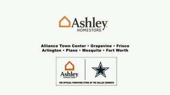 Ashley HomeStore Memorial Day Sale TV Spot, 'Sofas and Bar Stools' - Thumbnail 7