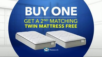 Rooms to Go Kids TV Spot, 'Memorial Day: Twin Mattresses' - Thumbnail 3