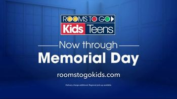 Rooms to Go Kids TV Spot, 'Memorial Day: Twin Mattresses' - Thumbnail 7