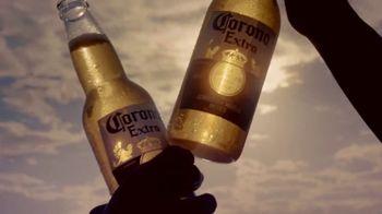 Corona Extra TV Spot, 'Sunshine Specialists' [Spanish] - Thumbnail 5