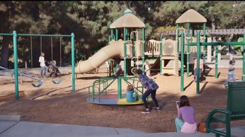 America's Best Contacts and Eyeglasses TV Spot, 'Parque infantil' [Spanish] - Thumbnail 1