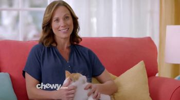 Chewy.com TV Spot, 'We Love the Savings' - Thumbnail 8
