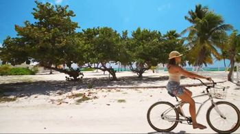 Cayman Airways TV Spot, 'Welcome Aboard' - Thumbnail 6