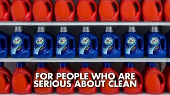 OxiClean Laundry Detergent TV Spot, 'Get Whiter, Brighter Clothes' - Thumbnail 7