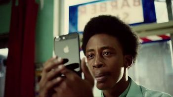 Apple iPhone 7 Plus TV Spot, 'Barbers' Song by William Onyeabor - Thumbnail 3