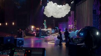 Citi Double Cash Card TV Spot, 'Final Touches: Circle It' Feat. Katy Perry - Thumbnail 4