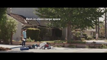 BMW Race to 11 Million Sales Event TV Spot, 'Special Delivery' [T2] - Thumbnail 6