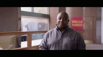 Wells Fargo Card Free ATM Access TV Spot, 'Bumblebee' - Thumbnail 2