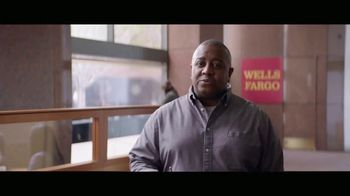 Wells Fargo Card Free ATM Access TV Spot, 'Bumblebee' - Thumbnail 8