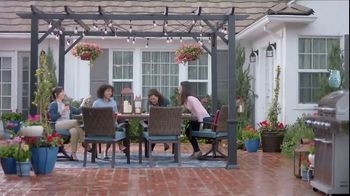 Lowe's Outdoor Entertaining Event TV Spot, 'The Moment: Outdoor Look' - Thumbnail 8