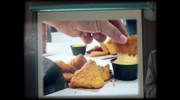 Taco Bell Naked Chicken Chips TV Spot, 'Triangles of Temptation' - Thumbnail 3