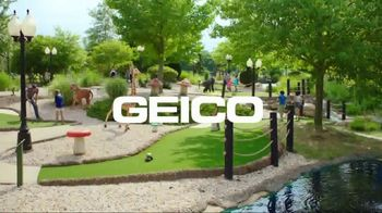 GEICO TV Spot, 'Golfing in the Carolinas' - Thumbnail 9