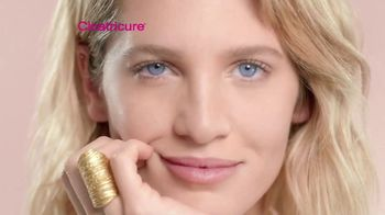Cicatricure Eye Contour TV Spot, 'Mirada despierta' [Spanish] - Thumbnail 7
