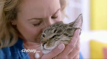 Chewy.com TV Spot, 'Chewy Keeps Our Pets Happy' - Thumbnail 7