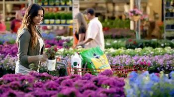 The Home Depot Memorial Day Savings TV Spot, 'Grill, Trimmer and Blower' - Thumbnail 3