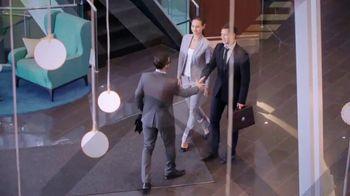Investors Bank TV Spot, 'Good in Green' Feat. Phil Simms, Boomer Esiason - Thumbnail 3