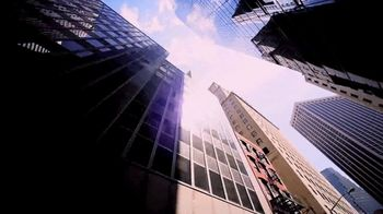 Investors Bank TV Spot, 'Good in Green' Feat. Phil Simms, Boomer Esiason - Thumbnail 5