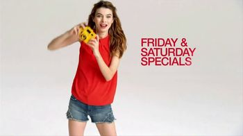 Macy's Super Saturday Sale TV Spot, 'Juniors Sportswear and Comforter Sets' - Thumbnail 3