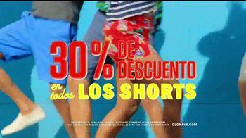 Old Navy TV Spot, 'Dale sabor a tu verano' canción de Sofi Tukker [Spanish] - Thumbnail 3