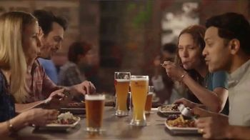 Applebee's Big and Bold Grill Combos TV Spot, 'Perfect Pairings' - Thumbnail 5
