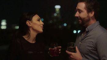 Stella Rosa Wines TV Spot, 'Rooftop Bar' - Thumbnail 4