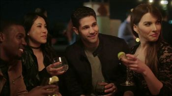 Stella Rosa Wines TV Spot, 'Rooftop Bar' - Thumbnail 6