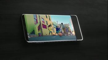 Samsung Galaxy S8 TV Spot, 'Unbox Your Phone: Netflix' - Thumbnail 6