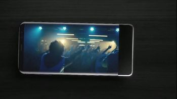 Samsung Galaxy S8 TV Spot, 'Unbox Your Phone: Netflix' - Thumbnail 7