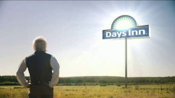 Days Inn TV Spot, 'Bask in the Sun: Son-in-Law' - Thumbnail 3