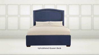 Rooms to Go TV Spot, 'Memorial Day: Queen Beds' - Thumbnail 2
