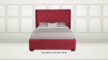 Rooms to Go TV Spot, 'Memorial Day: Queen Beds' - Thumbnail 3