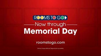 Rooms to Go TV Spot, 'Memorial Day: Queen Beds' - Thumbnail 8