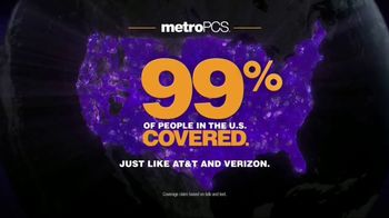 MetroPCS Best Free Phone Event Ever TV Spot, 'Take a Picture of Yourself' - Thumbnail 10