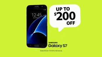 Straight Talk Wireless Ultimate Unlimited Plan TV Spot, 'Tax Refund' - Thumbnail 7
