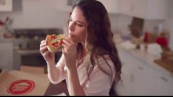 Pizza Hut $7.99 Large Pizza Deal TV Spot, 'Bring Everyone to the Table' - Thumbnail 9