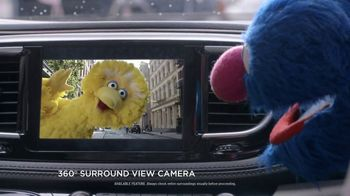 Chrysler Pacifica TV Spot, 'Trash Talk: Sesame Street' [T2] - Thumbnail 4