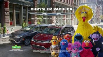 Chrysler Pacifica TV Spot, 'Trash Talk: Sesame Street' [T2] - Thumbnail 7