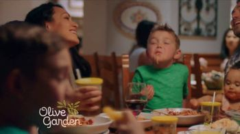 Olive Garden TV Spot, 'Value Every Moment Together' - Thumbnail 10