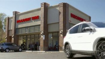 Discount Tire Presidents Day Deals TV Spot, 'Visa Prepaid Cards' - Thumbnail 8
