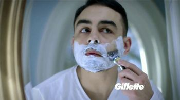 Gillette Fusion TV Spot, 'Medio millón de puertorriqueños' [Spanish]