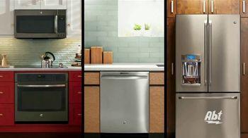 GE Appliances TV Spot, 'American Kitchen: Make More Moments' - Thumbnail 2