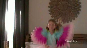 Ashley HomeStore Presidents' Day Mattress Sale TV Spot, 'Adjustable Sets'