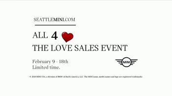 MINI USA All 4 the Love Sales Event TV Spot, 'MINI Cooper Signature Line' [T2] - Thumbnail 10