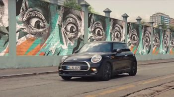 MINI USA All 4 the Love Sales Event TV Spot, 'MINI Cooper Signature Line' [T2] - Thumbnail 6