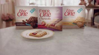 Fiber One Cheesecake Bars TV Spot, 'She Shed: Rules' - Thumbnail 9