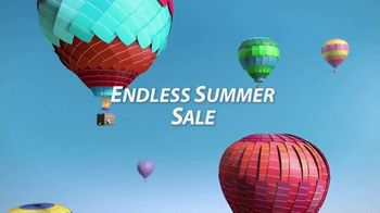 Sherwin-Williams Endless Summer Sale TV Spot, 'Color Is Around The Corner' - Thumbnail 3