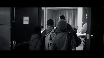 Marriott TV Spot, 'Broken Bus: Golden Rule' - Thumbnail 6