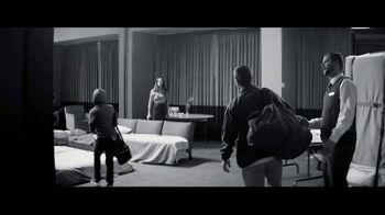 Marriott TV Spot, 'Broken Bus: Golden Rule' - Thumbnail 7