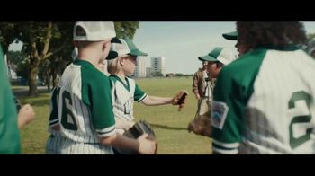 Dick's Sporting Goods TV Spot, 'Team Photo' Song by Macklemore & Ryan Lewis - Thumbnail 6