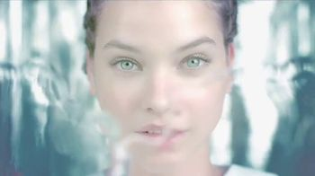 L\'Oreal Paris Hydra Genius TV Spot, \'Fresh Face\' Featuring Barbara Palvin
